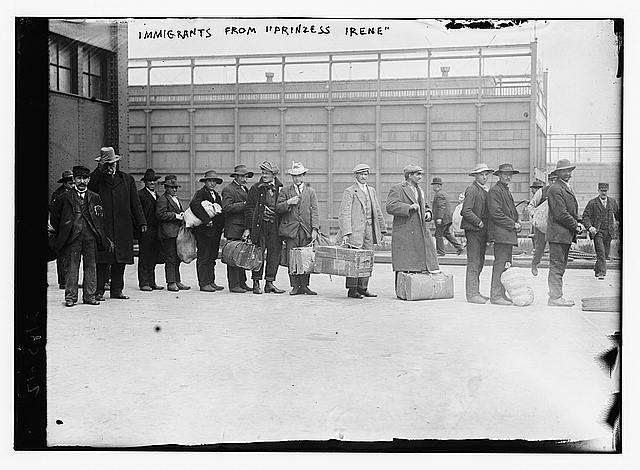 Immigrants heading to Ellis Island
