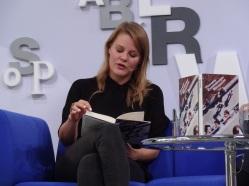 Theresia Enzensberger auf dem Blauen Sofa