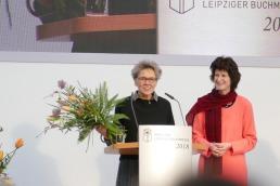 """Gewinnerin Belletristik: Esther Kinsky für """"Hain. Ein Geländeroman"""""""