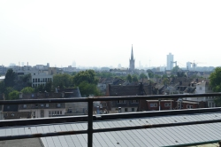 Hinten blitzt der Kölner Dom