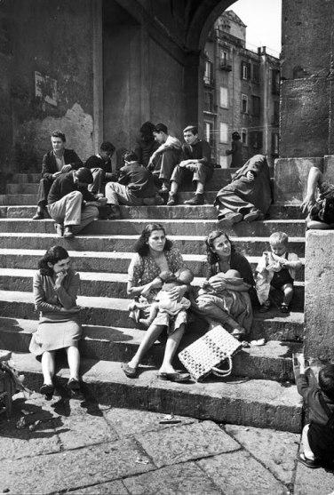 Naples - young mothers (1947) - Porticato Basilica San Francesco di Paola