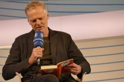 """Wolf Haas liest aus """"Junger Mann"""""""