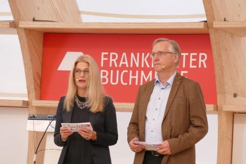 Margit Walso von Norla und der Direktor des Gastlandauftritts Halldor Gudmundsson