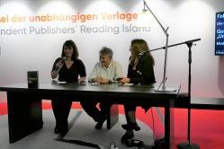 Dominique Manotti anschließend noch auf der Leseinsel der unabhängigen Verlage