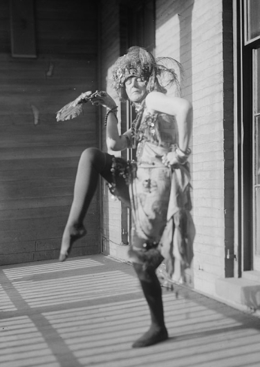 Elsa von Freytag-Loringhoven uncredited photographer for Bain Photos. [Public domain] Wikimedia Commons