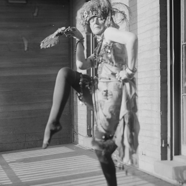 Elsa von Freytag-Loringhoven uncredited photographer for Bain Photos. [Public domain] Wikimedia Commons
